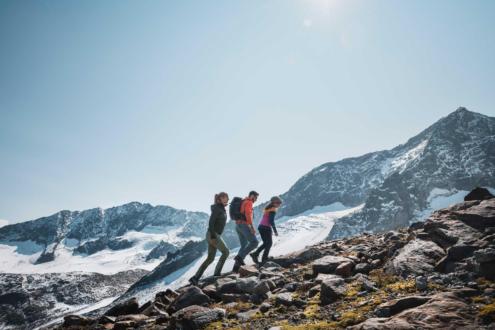 erwandern sie den stubaier gletscher am sommer - atemberaubende gletscherlandschaft erleben