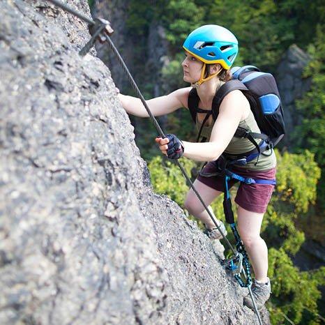klettern - klettersteig - outdoor aktivitaeten im sommer